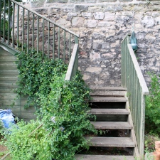 Stepped access to the vegetable garden